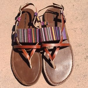 Leather Flat Sandal with multi-colored fabric
